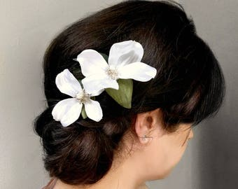 Ivory Flower Hair Clips, Silk Dogwood Flowers, Pearl Centers, Large Bridal Hair Flowers, Bohemian Bride, Ethereal Wedding Hair, Two Flowers