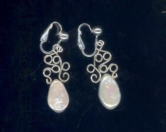 Tiny Bubbles Pearl Earrings