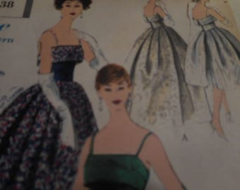 Vintage 1950's, 60's Vogue 9606 Evening Dress Sewing Pattern, Size 16 Bust 36