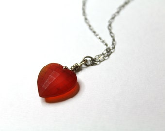 Geometric Glass Heart Vintage Necklace // Vintage Heart Necklace // 90s Jewelry // Valentine's // Faceted Heart //  Choose Color
