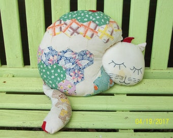 Vintage quilt cat!   This kitty's body is 13 inches long 9 1/2 inches tall -