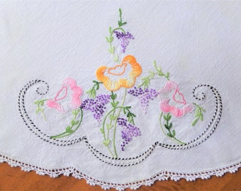 Vintage Tablecloth Embroidered Round Linen 32 Inches