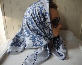 Vintage 1950s silk scarf abstract blue paisley 30 x 30 inches