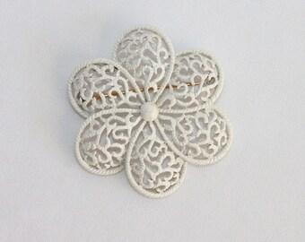 Vintage Crown Trifari Openwork Brooch White Enamel Painted Flower with Filigree Look