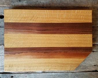 """Cutting board in walnut and white oak 17"""" x 11.5"""" x 3/4"""""""