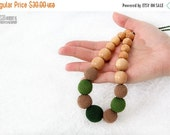 Christmas Sale Nursing necklace/Teething crochet mom necklace - juniper wood natural jewelry - green, mocha - certified organic cotton.