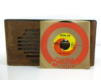 The Beatles - Nowhere Man / What Goes On - Vinyl 45 Record