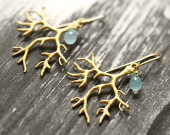 ASCASI earrings with branch and Gemstone | gold