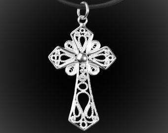 Ancient Cross pendant in silver embroidery