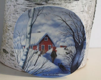 "Cute ""season""  wall plate by Arabia Finland - take your pick"