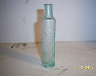1890's Snow & Mason Croup and Cough Syrup Providence, RI 5 1/4 inch aqua medicine bottle No 2
