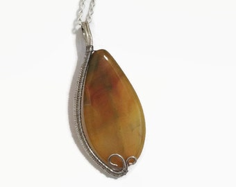 Wire Wrapped Yellow Agate Necklace Pendant/ Wire Wrap Jewelry/ Wire Wrap Necklace/ Agate Necklace/ Pendant Necklace