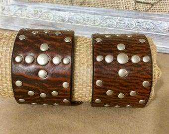 Wide Leather Cuff Bracelet in 2 Shades of Brown with Silver Studs - Leather Jewelry - Leather Cuff Bracelet