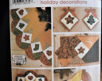 Simplicity 4414 sewing pattern Place Mats and Napkins, Bag, Wreath, Treeskirt