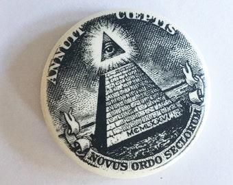 annuit coeptis novus ordo seclorum dollar bill pyramid pinback button