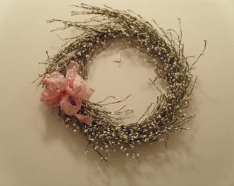 """reduced !!!!18"""" White pipnerry wreath with bow"""