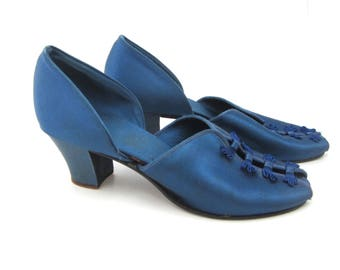 vintage mules house slippers 1930s  blue satin heel size 7 1/2 pin-up girl  peep toe