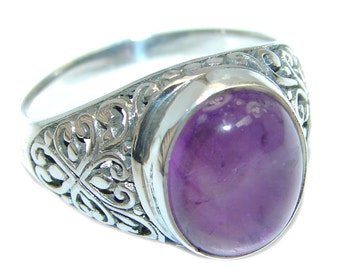 Amethyst Sterling Silver Ring - weight 5.60g - Size 8 - dim 1 2 inch wide - code 13-lut-17-18