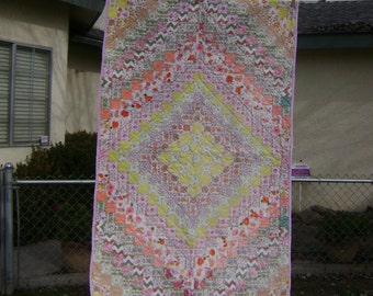 Hand sewn, Vintage Hand quilted Quilt, Baby quilt, lap throw, wall hanging,