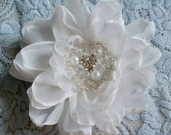 Larger Singed  Flower Singed Rose With Rhinestone Pearl (3.5 inches) In Off White My-332-06