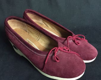 Vintage 1970s Maroon People Movers Wedges