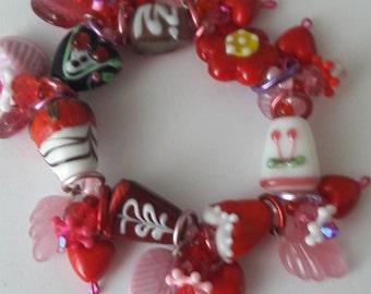 Little girl's Valentine bracelet/ Valentine's day/ Beadiebracelet