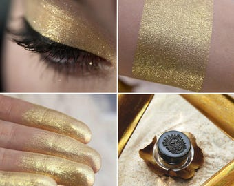 Eyeshadow: Sparkle Eyed - Nomad. Golden yellow shimmering eyeshadow by SIGIL inspired.