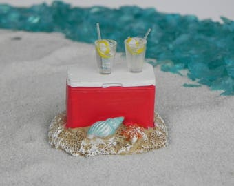 Miniature Cooler, Beach Garden accessories, miniature lemonade glasses with straw, terrarium supplies supply
