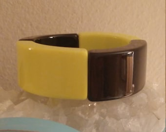 Funky Vintage 70s Neon Yellow And Black Acrylic Stretch Bracelet