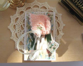 dollhouse knitted baby doll bonnet 12th scale miniature Rainbowminiatures