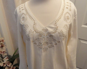 Liz Claiborne Size XL Top . Cream . Cotton Pullover XL . Embroidered . Gold Beaded Top XL . Long Sleeve Cotton Top . 12