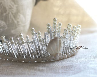 Beach wedding crown - wedding crown - Mermaid tiara - pearl tiara - Bridal headpiece - Seashell crown - Wedding tiara - seashell headband