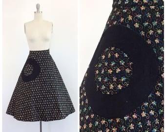 50s Embroidered Floral Black Felt Circle Skirt / 1950s Vintage Full Skirt / Medium / 27 inch waist