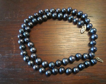 Tahitian Style Black Pearl Necklace with 14 K Gold Clasp
