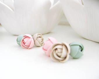 Polymer clay earrings set - Shabby chic coral bluegreen ecru rose flower stainless steel stud earrings