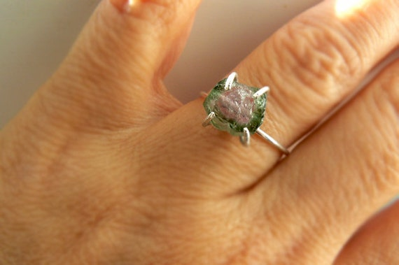 Watermelon tourmaline ring- Raw tourmaline sterling silver gemstone ring- Size 7 -Fashion, trendy ring - Boho pink green raw stone ring
