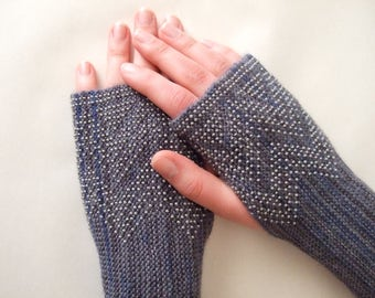Beaded GRAY ( multicolor ) fingerless gloves, wrist warmers, fingerless mittens. Soft, thin and warm. Handmade.