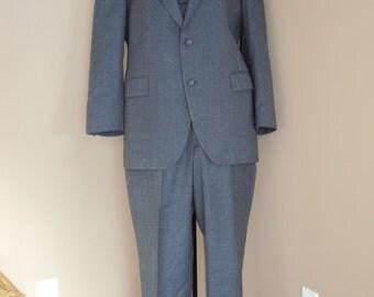 1970s-80s SALE  Mens Gray Subtle Pin Stripe 3 Piece Wool Blend Suit/40-42/34/28/ Mens 3 Piece Suits/Gray Waistcoat /Vest/Trousers/Sportcoat