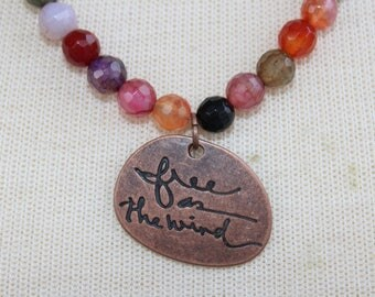 "Short ""free like the wind"" necklace with agate"