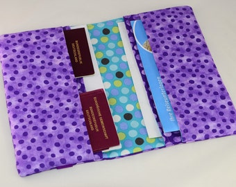 Travel case of Baik dots purple