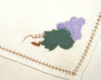 """Vintage Hand Embroidered Napkins / Grapes  / Set of 8 / about 9"""" x 9"""" / Linen"""