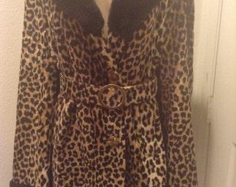 Vintage Faux Fur Cheetah Leopard Cape Glam Hollywood VLV
