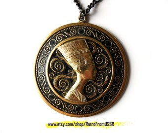 Nefertiti pendant Black metal pendant Nefertiti profile necklace with chain Egyptian pendant Soviet vintage jewelry