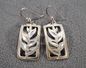 vintage sterling silver dangle drop earrings with euro wire backs and gracefully bend leaf plant design   M4