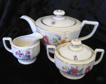 Heinrich & Co, Selb, Bavaria, 5-Cup Porcelain Teapot and Matching Creamer Set, Vintage Tea Service, Floral Posies