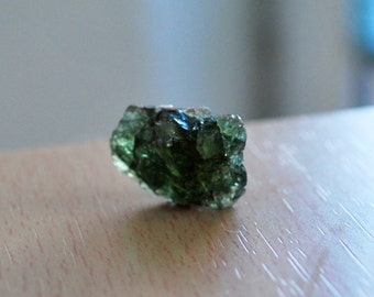 18.15 ct Apatite rough, Green apatite raw. Rough gemstones. Green apatite, Tanzania gemstones
