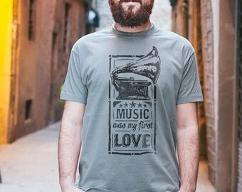 Shirt guy with illustration of music, using handmade silkscreen printed, personalized gift for man
