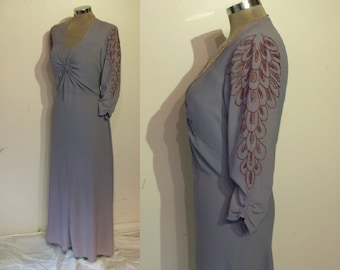 """Dramatic 1940s rayon crepe gown w/hand embroidered 'wings' bust 37"""" knotted bodice"""