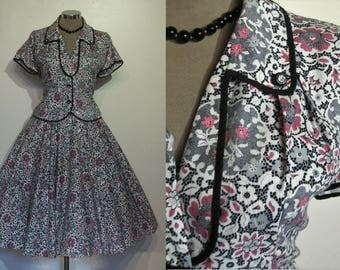 "Wonderful 1950s cotton print circle skirt and fitted top ensemble waist 28"" Lucy dress!"