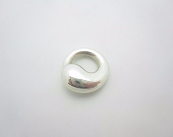 Tiffany & Co. Sterling Silver Elsa Peretti Small Eternal Circle Pendant